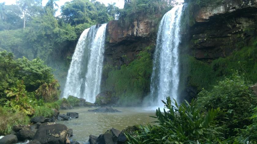 iguazu-falls-argentina-brazil-travel-jungle